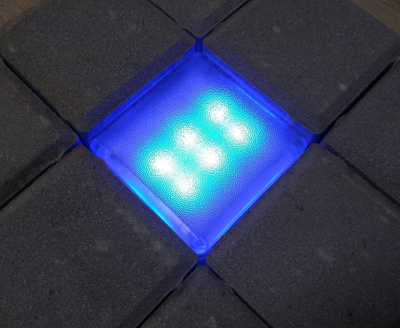Светящаяся плитка для дорожек 100х100х40PS