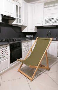 Кресло шезлонг раскладное зеленый цвет брезент