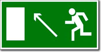 «Направление к эвакуационному выходу направо вверх» табличка