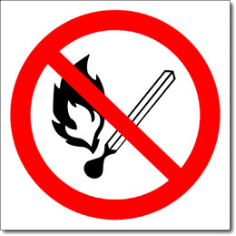 Знак «Запрещается пользоваться открытым огнем и курить»