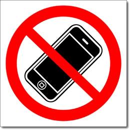 Знак «Пользоваться мобильными телефонами запрещено»